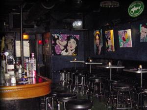 Delilah's Chicago – Metal Bar
